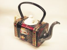 Pamela..Tea pot