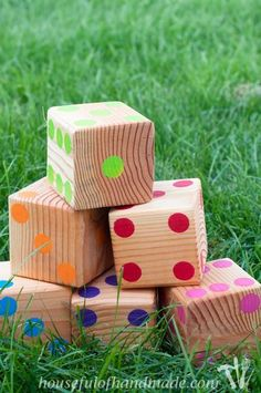Make up a set of colorful yard dice to take to your next get together. Tutorial…