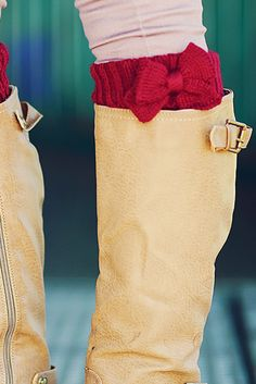Bow-tiful Leg Warmers: Burgundy