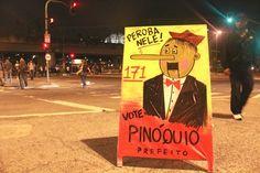 Em protesto à obstrução da via de pedestre e poluição causada pelos cavaletes de candidatos à eleição 2014, o Cavalete Parade está organizando uma exposição com intervenções na propagandas políticas.