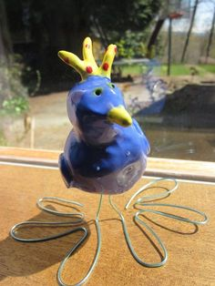 Children's Art Classes: Clay Birds - Clay bird with wire feet - Clay technique for art lessons