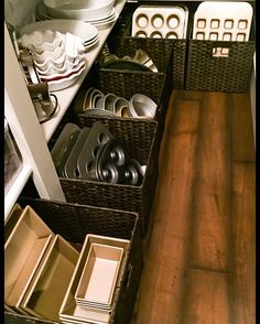 Baskets to keep items accessible and organized in the pantry. From everything-Emmy.com #organizedkitchen #kitchenorganization #organizedhome #weekendproject #pantry #organizedpantry #pantryorganization #kitchen #baskets