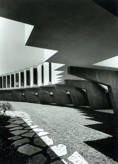 Mivtachim Sanitarium, designed by Jacob Rechter - photograph: Amnon Rechter.