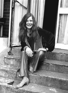 Happy Janis Joplin in London, 1969 Janis Joplin, Woodstock, She's A Rainbow, Big Brother, Band Pictures, Metal Girl, Look Vintage, Blues Rock, Jim Morrison