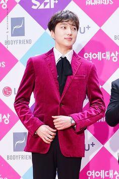 Las etiquetas más populares para esta imagen incluyen: winner, mino, jinwoo, seunghoon y seungyoon