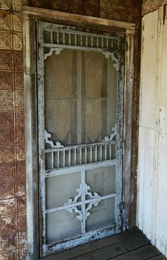 This old screen door. At the Magnolia Pearl Ranch in Bandera, Texas is the type of Screen Door that I'm looking to find. Vintage Screen Doors, Old Screen Doors, Wooden Screen Door, Vintage Doors, Old Doors, Antique Doors, Magnolia Pearl, Old Windows, Windows And Doors
