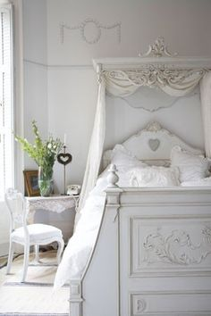 This would look great over my bed if their wasn't a man in it. :(