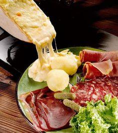 La raclette est une recette traditionnelle de l'hiver ! Mais pour la rendre un tout petit peu moins traditionnelle,...