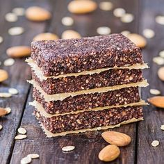 These healthy wellness energy bars are a mix of dates and nuts with any customizable flavor combinations for a delicious grain free snack. Protein Bar Recipes, Protein Bars, Healthy Recipes, Dehydrator Recipes, Food Processor Recipes, Date Energy Bars, Sugar Free Fruits, Dehydrated Food, Survival Food