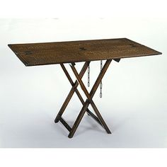 16th c. folding table at the V - couldn't this design be reproduced for SCA camping events?