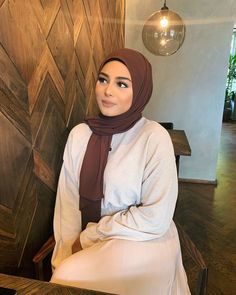 Modest Fashion Hijab, Modest Outfits, Chic Outfits, Modest Clothing, Moda Club, Watercolor Quote, Ootd Hijab, Nails On Fleek, My Outfit