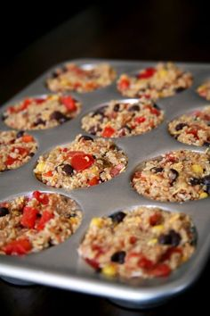 So yummy in place of a burrito --> 100 Calorie Mexican Quinoa & Bean Bites // easy to make a bunch ahead for meals on-the-go & snacks #cleaneating #healthy #muffinpan