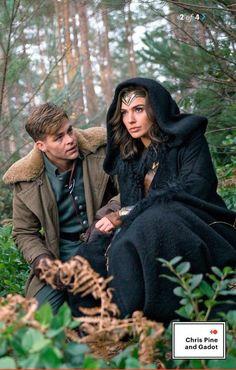'Wonder Woman' ('Gal Gadot') and 'Steve Trevor' ('Chris Pine') in 'Wonder Woman' (2017)