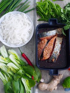 asiatisk laks med nudler Santa Maria, Fish, Kitchens, Holy Mary, Pisces, Mother Mary, Ichthys