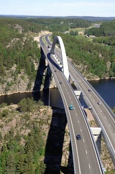 The new Svinesund bridge, joining Sweden and Norway over the sound of the Iddefjord. Completed in 2005. [7]