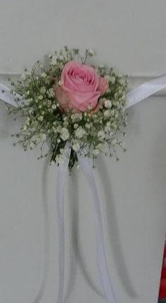 Blumen Kirchenbänke Hochzeit
