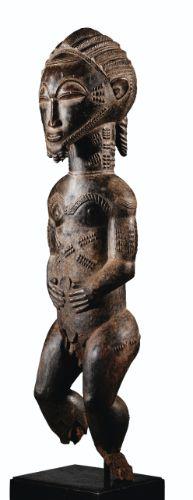 Statue, Baulé, Région de Sakassou, Côte d'Ivoire BAULE FIGURE, SAKASSOU REGION, IVORY COAST haut. 55 cm  READ cat. note