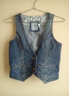 Kup mój przedmiot na #vintedpl http://www.vinted.pl/damska-odziez/kamizelki/9308376-kamizelka-jeansowa-hm-w-swietnym-stanie