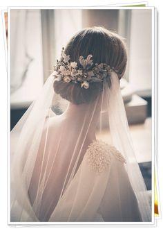 Vintage Wedding Bridal Hair - Bowl of Cherries Obsession! Mod Wedding, Wedding Veils, Wedding Dresses, Chignon Wedding, Trendy Wedding, Wedding Vintage, Wedding Reception, Elegant Wedding, Summer Wedding