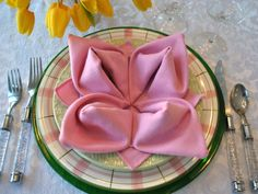 Pretty spring flower napkin!