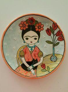 Pottery Painting, Ceramic Painting, Ceramic Art, Handmade Art, Handmade Pottery, Doodle People, Frida Art, Hand Painted Plates, Turkish Art