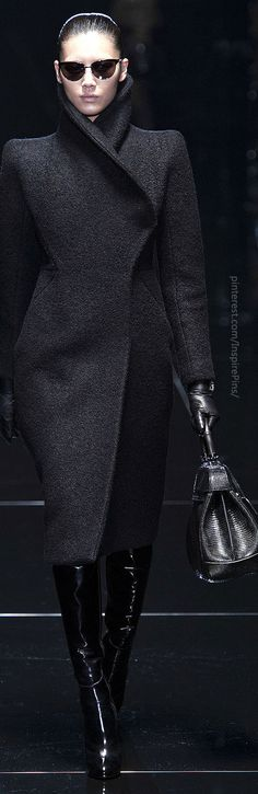 "Gucci- wow. Love this ""I rule the world"" look!"