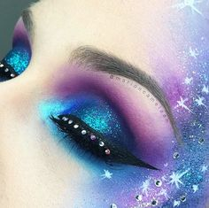 "☄ GALAXY ☄ EYES : 08 12M 07M 09M 11M @blackup LASHES : Limited Edition ""All Hail The Queen"" @eylureofficial  GALAXY : @makeupforeverofficial @limecrimemakeup @nyxcosmetics_france @makeupatelierparis Love My Makeup, Cute Makeup, Makeup Inspo, Makeup Art, Rhinestone Makeup, Galaxy Makeup, Galaxy Eyeshadow, Amazing Halloween Makeup, Amazing Makeup"