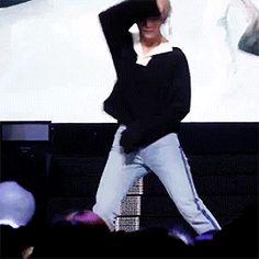 im okay im okay im oKAY *Sidenote; his bit of tummy at the start when he flicks up his shirt a bit