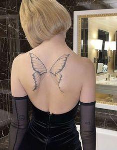 Dainty Tattoos, Dope Tattoos, Pretty Tattoos, Body Art Tattoos, Tattos, Wing Tattoos On Back, Back Tattoo Women, Tattoos For Women, Fairy Wing Tattoos