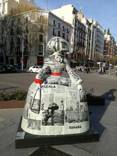 Diego Velazquez, Famous Art Paintings, Ceramic Figures, Modern Sculpture, Best Cities, Public Art, Contemporary Paintings, Installation Art, Artsy Fartsy