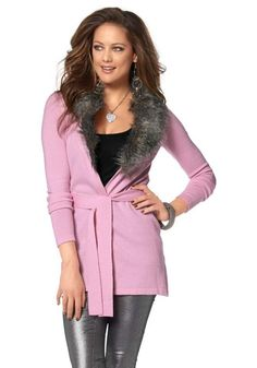 Luxurious cardigan with eyecatching fluffy soft weave fur collar. Knit belt on the waist. Very figure-hugging cut. Length approx. 72cm. Soft fineknit, 70%polyacryl and 30%polyamid. Insert 100%polyester. Weave fur 65%polyacryl and 35%polyester.