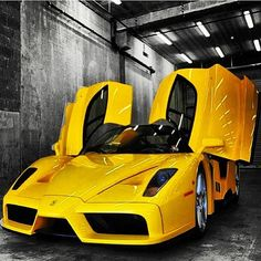 Damn! That Ferrari Enzo looks good!