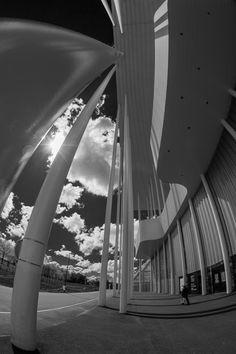 https://flic.kr/p/GT28GP | Stade Matmut Atlantique Variation4 | www.fotografik33.com www.visite-virtuelle33.fr/   Le stade Matmut Atlantique, est le stade multifonctions de Bordeaux (France), inauguré le 18 mai 2015. D'une capacité de 42 115 places, il est le sixième stade français en nombre de places assises. Le nouveau stade accueille les matchs de football des Girondins de Bordeaux. Il recevra également des rencontres du championnat d'Europe de football 2016 (EURO 2016).   The Nouveau…