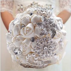 Free shipping 2016 beautiful bridal bouquet, fine jewelry and other combinations romantic roses wedding bouquet