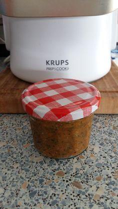 Da ich aufgrund der Glutenunverträglichkeit meiner Tochter mittlerweile viel selbst mache, bin ich nun auch auf den Geschmack von selbstgemachter Gemüsepaste gekommen. Diese ist genauso zu verwende…
