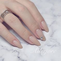 The advantage of the gel is that it allows you to enjoy your French manicure for a long time. There are four different ways to make a French manicure on gel nails. Pretty Gel Nails, Love Nails, Fun Nails, Nail Polish Art, Gel Nail Art, Nail Manicure, French Tip Nail Designs, Nail Art Designs, French Nails