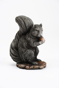 Oswaldtwistle Mills | Oakley Stone Animals - Squirrel with Nut