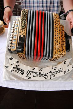 Accordion cake Music Themed Cakes, Music Cakes, Theme Cakes, Fancy Cupcakes, 65th Birthday, Birthday Cakes, Homemade Butter, Cake Board, Slow Food