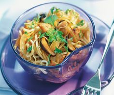 Découvrez notre recette simple et rapide pour le nouvel an chinois : Les aiguillettes de poulet et nouilles chinoises.
