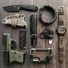 It's and we've created a brand new list of essential survival items for this year! The best bushcraft gear, survival tools, and prepping gear, all in this short list. Survival Gadgets, Survival Tools, Survival Knife, Edc Gadgets, Edc Tools, Edc Tactical, Tactical Equipment, Everyday Carry Gear, Tac Gear