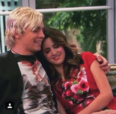 Ross+Laura Marano YES Ross+Courtney Eaton Nooooooo Right? Laura Marano, Austin Y Ally, Courtney Eaton, Famous In Love, The Durrells In Corfu, Disney Shows, Girl Meets World, Ross Lynch, Finding Carter