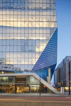 Ryerson University Student Learning Centre by Snøhetta and Zeidler. Photography © doublespace photography.