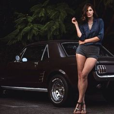 A grand collection of beautiful ladies with vehicles Auto Girls, N Girls, Mustang Girl, 65 Mustang, Volkswagen, Pin Up, Classic Mustang, Us Cars, Bmw