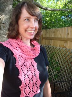 Easy Leaves Scarf {easy} | The Knit Monster