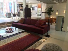 Gelderland bank 7880 Embrace design Jan des Bouvrie @veldhoveninterieurs in Bilthoven Leverbaar in vele maten en uitvoeringen. #gelderlandmeubelen #designbank #goedzitten #jandesbouvrie #veldhoveninterieurs
