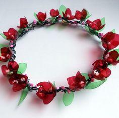 Věneček - Vlčí máky červená dekorace zelená růžová věneček drátování plast drátovaný květinová květinový recy na dveře vlčí mák na stůl na okno celorok celoroční letní jarní