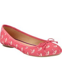 I am DYING at the cuteness...however, my luck with Old Navy shoes has been less than stellar.  :(
