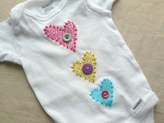 Items similar to Valentine's Day Heart Applique Onesie or Shirt You Pick Size and Colors on Etsy Applique Onesie, Hand Applique, Sewing For Kids, Baby Sewing, Applique Designs, Embroidery Designs, Sewing Appliques, Valentines Day Hearts, Fabulous Fabrics