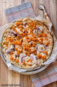 pizza con zucca pere e scamorza