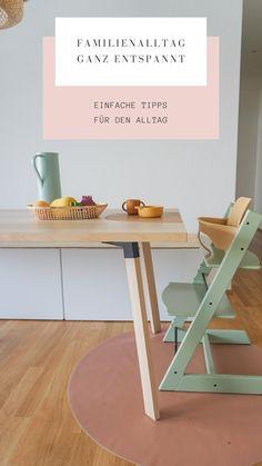 Es gibt ein Zauberwort für einen ganz entspannten & organisierten Familienalltag mit Kind. Routine, Office Desk, Table, Furniture, Home Decor, Families, Kids, Desk Office, Decoration Home